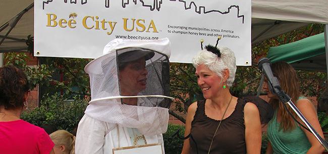 Phyllis Stiles and Joan beekeeper