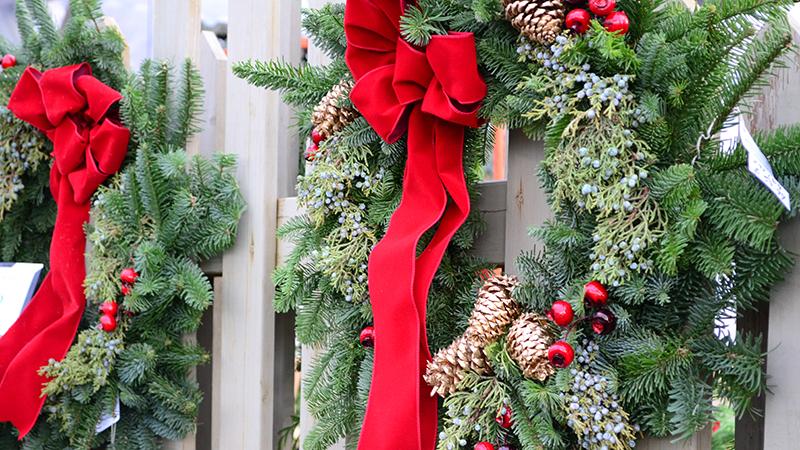 custom-wreaths-800x450